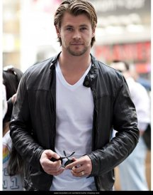 Chris-Hemsworth-Leather-Jacket-570x700