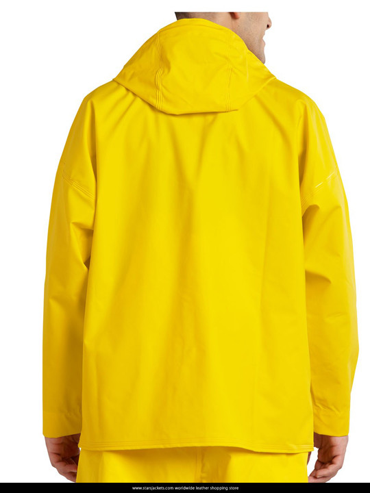 Juliet, Naked Ethan Hawke Yellow Coat