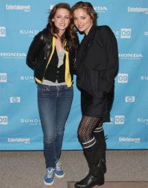Adventureland Premiere Kristen Stewart Jacket (2)