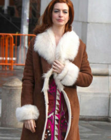 Anne Hathaway Brown Fur Coat in Modern Love